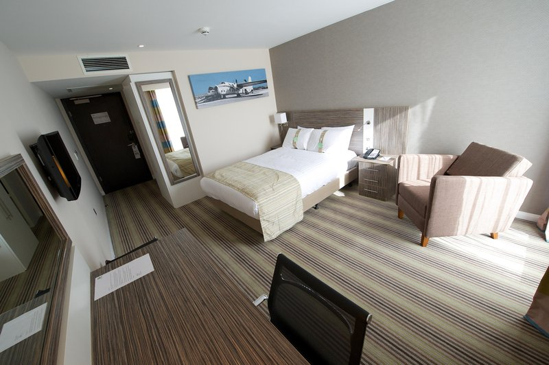 Holiday Inn Southend-Double Bed Guest Room<br/>Image from Leonardo