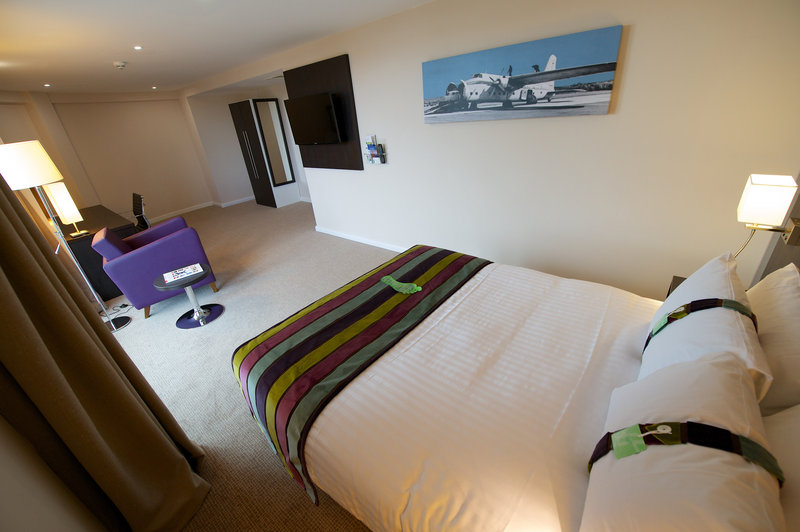 Holiday Inn Southend-King Executive Room<br/>Image from Leonardo