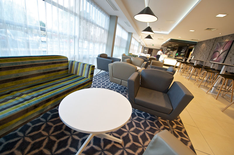 Holiday Inn Southend-Welcome to the ground floor Lobby Bar<br/>Image from Leonardo