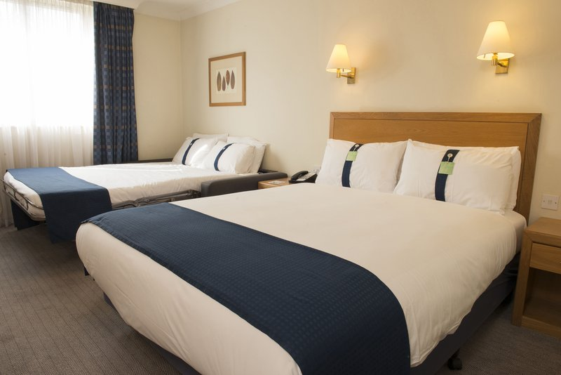 Holiday Inn Brentwood M25, Jct.28-Double bed with sofa bed suitable for famillies<br/>Image from Leonardo