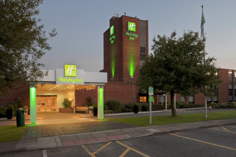 Holiday Inn Brentwood M25, Jct.28-Holiday Inn Brentwood in Essex by night<br/>Image from Leonardo