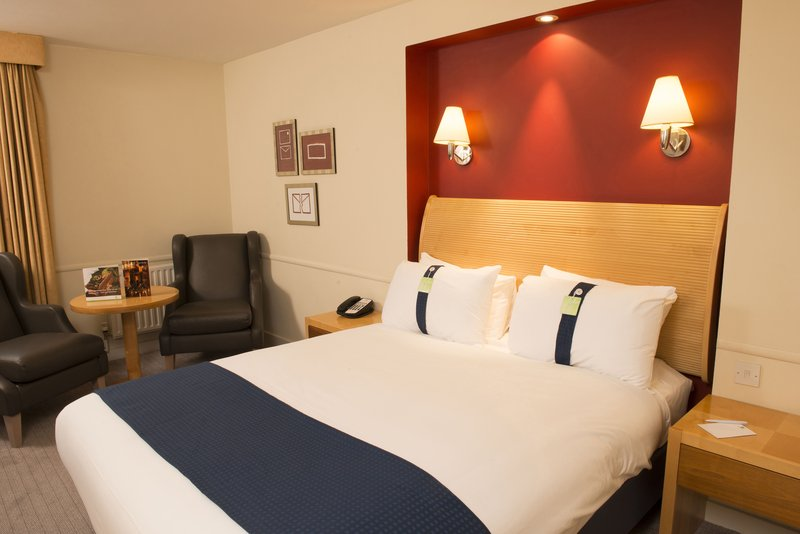 Holiday Inn Brentwood M25, Jct.28-Holiday Inn Brentwood Double Bed Guest Room<br/>Image from Leonardo
