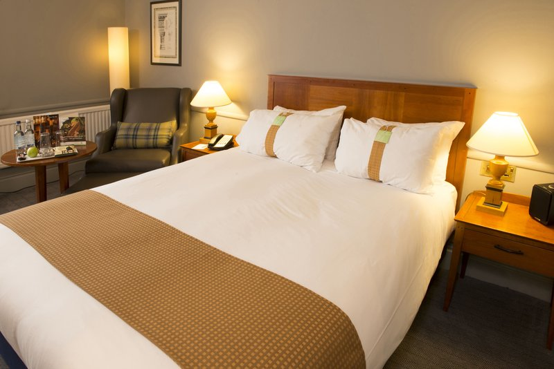 Holiday Inn Brentwood M25, Jct.28-Deluxe Room with coffee table and arm chair<br/>Image from Leonardo