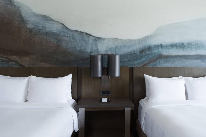 Calgary Marriott Hotel-Double/Double Guest Room<br/>Image from Leonardo