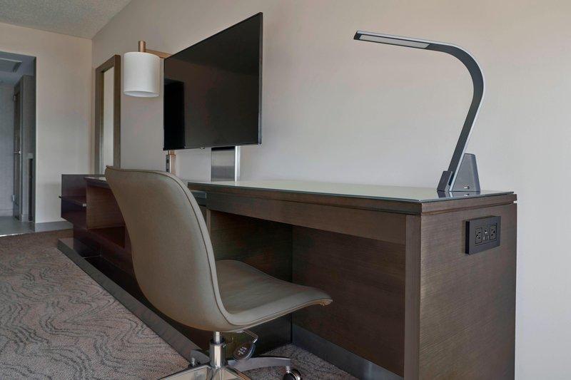 Calgary Marriott Downtown Hotel-Guest Room Work Desk<br/>Image from Leonardo