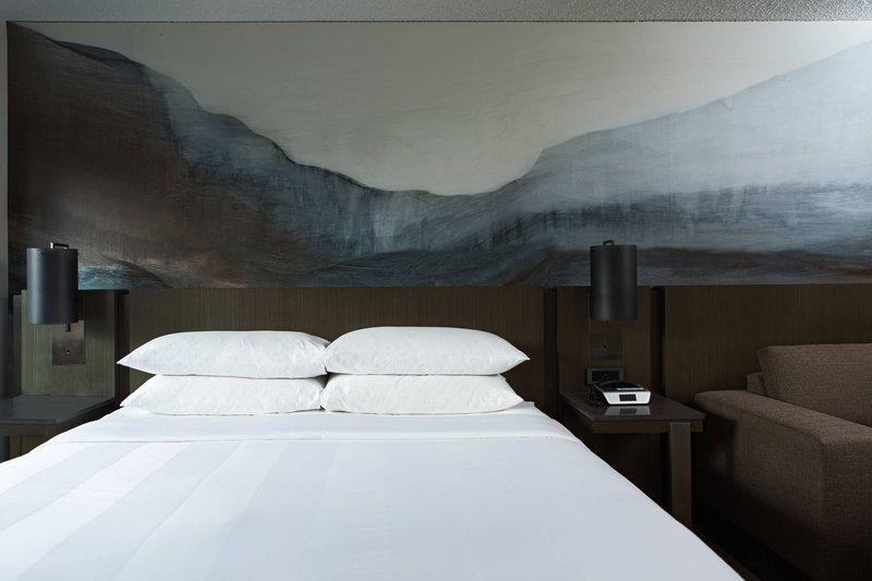 Calgary Marriott Downtown Hotel-King Concierge Guest Room<br/>Image from Leonardo