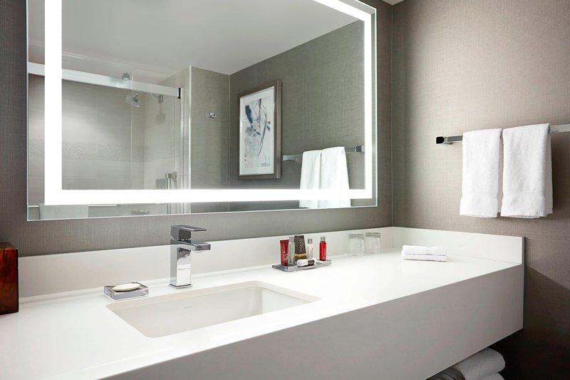 Calgary Marriott Downtown Hotel-Guest Bathroom<br/>Image from Leonardo