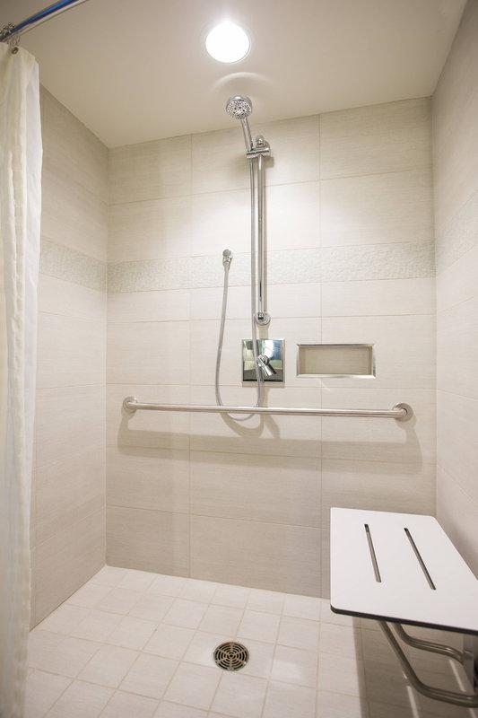 Calgary Marriott Hotel-Accessible Guest Bathroom<br/>Image from Leonardo