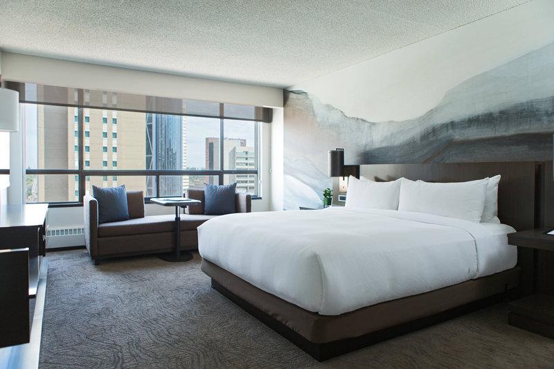 Calgary Marriott Downtown Hotel-Premier Suite - Bedroom<br/>Image from Leonardo