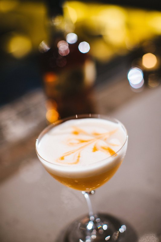 Calgary Marriott Hotel-ONE18 EMPIRE - Cocktails<br/>Image from Leonardo