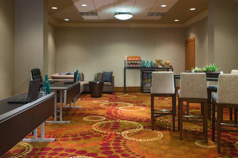 Calgary Marriott Downtown Hotel-Mount Royal Meeting Room<br/>Image from Leonardo