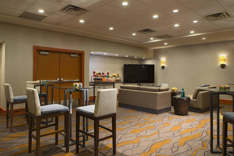 Calgary Marriott Downtown Hotel-Hillhurst Meeting Room – Meetings Imagined Setup<br/>Image from Leonardo