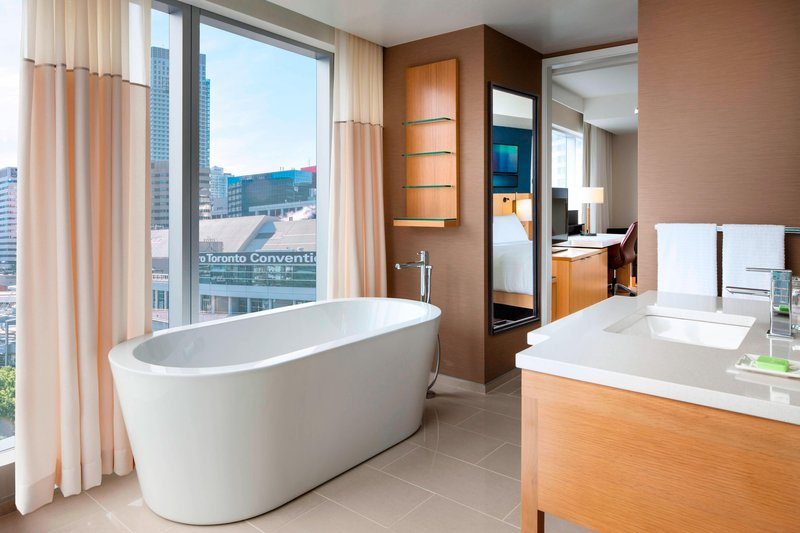 Delta Hotels by Marriott Toronto-King Corner Guest Room - Guest Bathroom<br/>Image from Leonardo