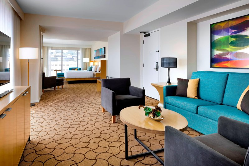 Delta Hotels by Marriott Toronto-Luxury Suite Living Area<br/>Image from Leonardo