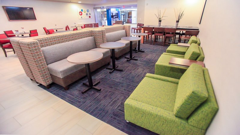 Holiday Inn Express Daytona Beach - Speedway-Enjoy ample seating for small groups or some personal space.<br/>Image from Leonardo