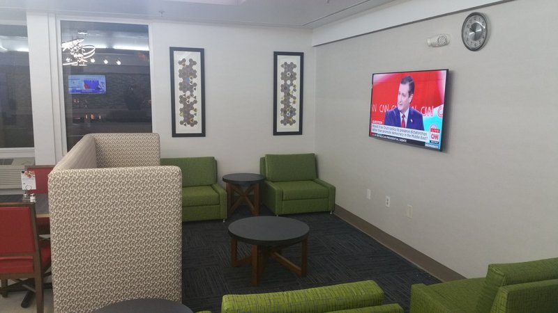 Holiday Inn Express Daytona Beach - Speedway-Lobby Sitting<br/>Image from Leonardo