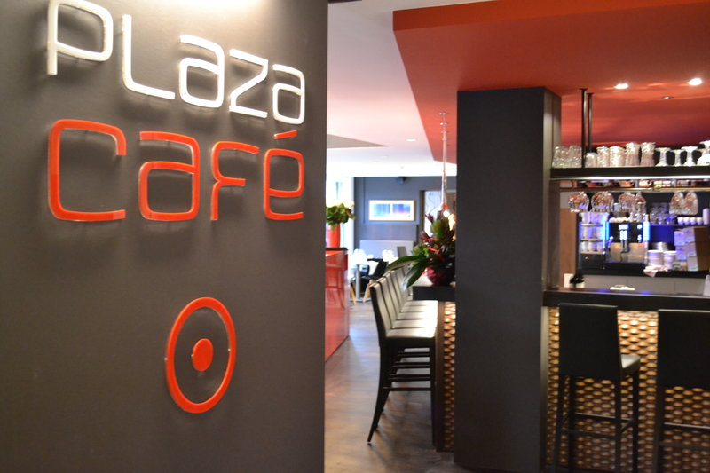 Crowne Plaza Brugge-Bar and Lounge PlazaCafé<br/>Image from Leonardo