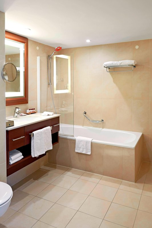 Ghent Marriott Hotel-Suite Bathroom<br/>Image from Leonardo