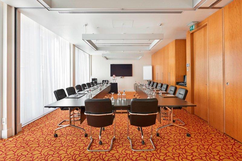 Ghent Marriott Hotel-De Zwaene Meeting Room<br/>Image from Leonardo