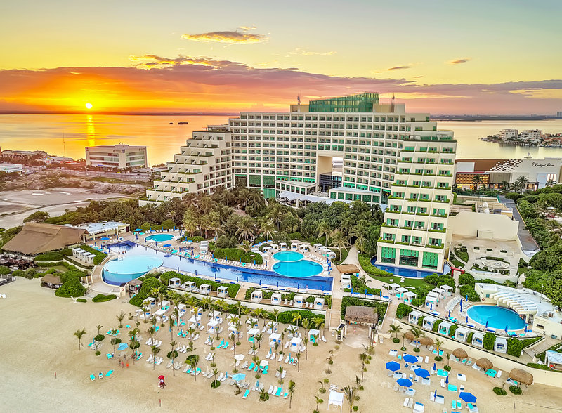 Live Aqua Cancun - Live Aqua Beach Resort Cancún <br/>Image from Leonardo
