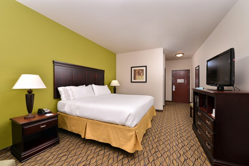 Holiday Inn Express & Suites Sherman HWY 75-Single Bed Guest Room<br/>Image from Leonardo