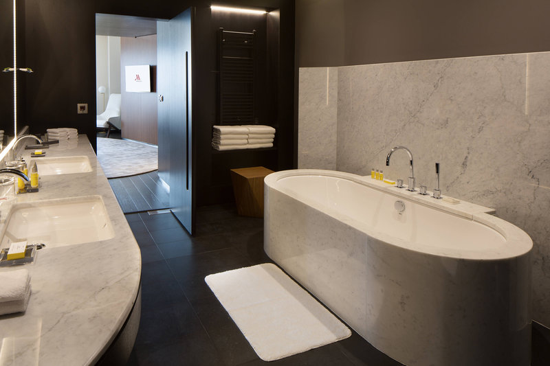 Skopje Marriott Hotel-Presidential Suite - Bathroom<br/>Image from Leonardo