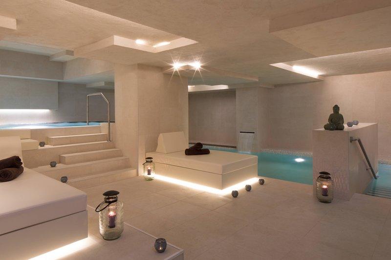 Skopje Marriott Hotel-Indoor Pool<br/>Image from Leonardo
