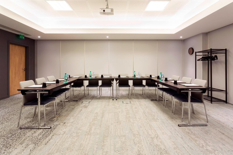 Courtyard Toulouse Airport-Pic d'Orhy Meeting Room - U-Shape Setup<br/>Image from Leonardo