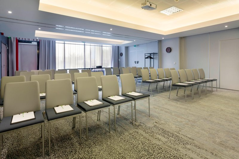 Courtyard Toulouse Airport-Les Pyrenees (Pic d'Orhy + Pic d'Anie) Meeting Room - Theater Setup<br/>Image from Leonardo