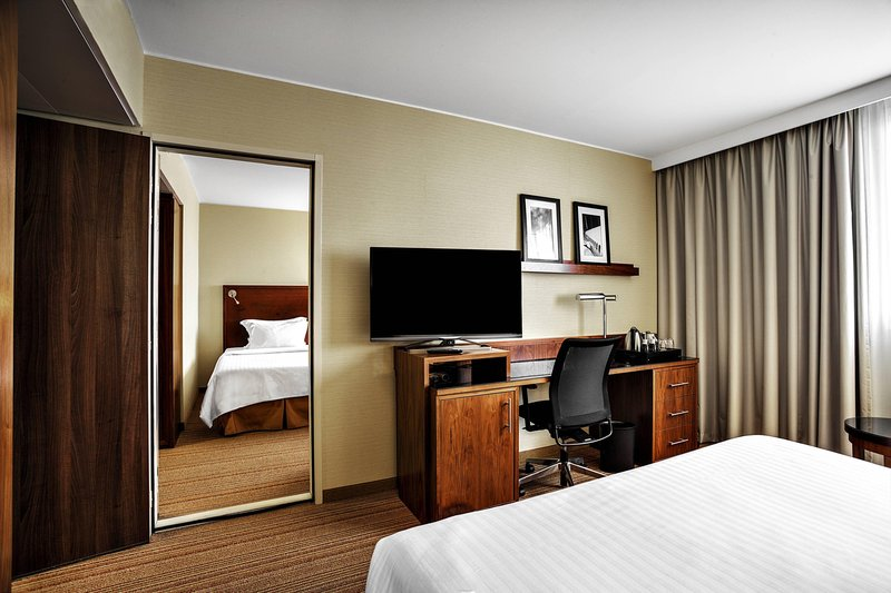 Courtyard Toulouse Airport-King Family Guest Room<br/>Image from Leonardo
