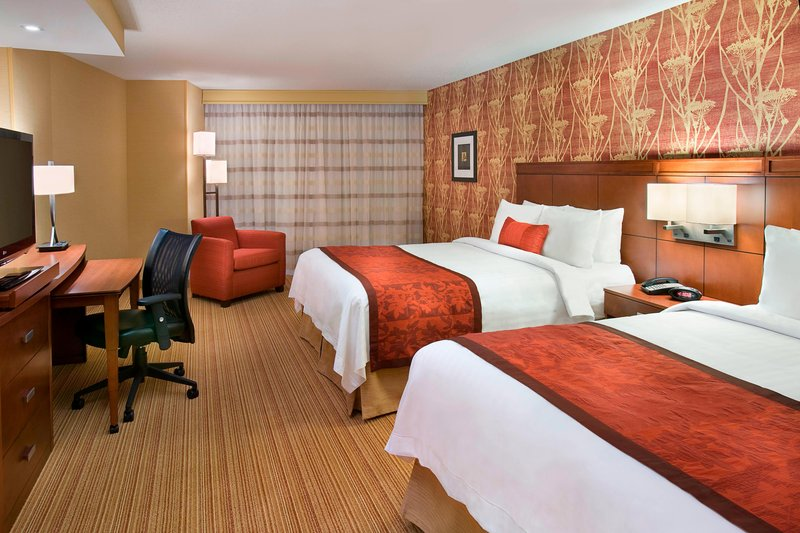 Courtyard Calgary Airport-Queen/Queen Guest Room<br/>Image from Leonardo