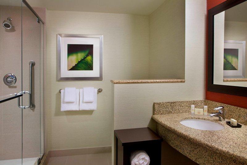 Courtyard Calgary Airport-Guest Bathroom<br/>Image from Leonardo