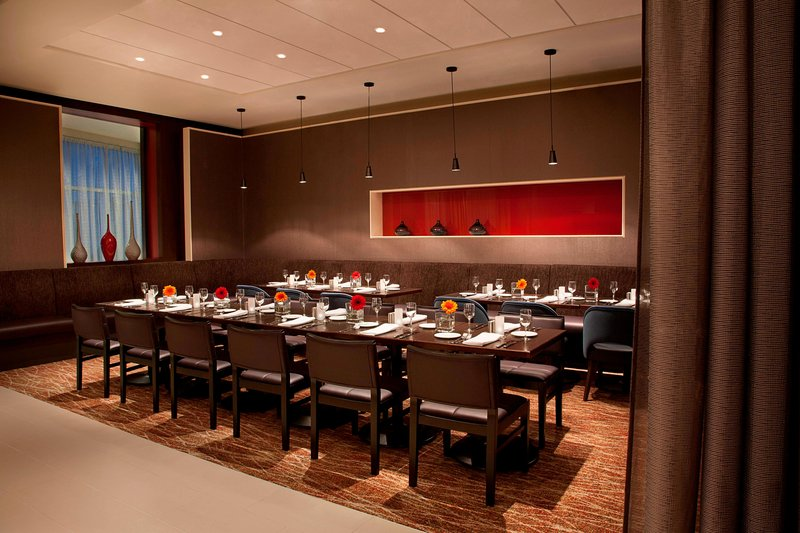 Courtyard Calgary Airport-Semi-Private Dining Area<br/>Image from Leonardo