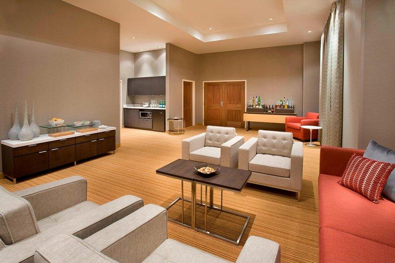 Courtyard Calgary Airport-Hospitality Suite<br/>Image from Leonardo