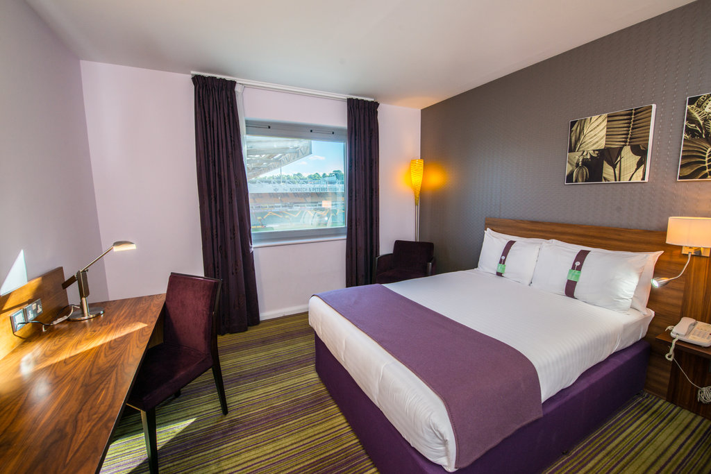 Holiday Inn Norwich City-Double Bed Guest Room<br/>Image from Leonardo