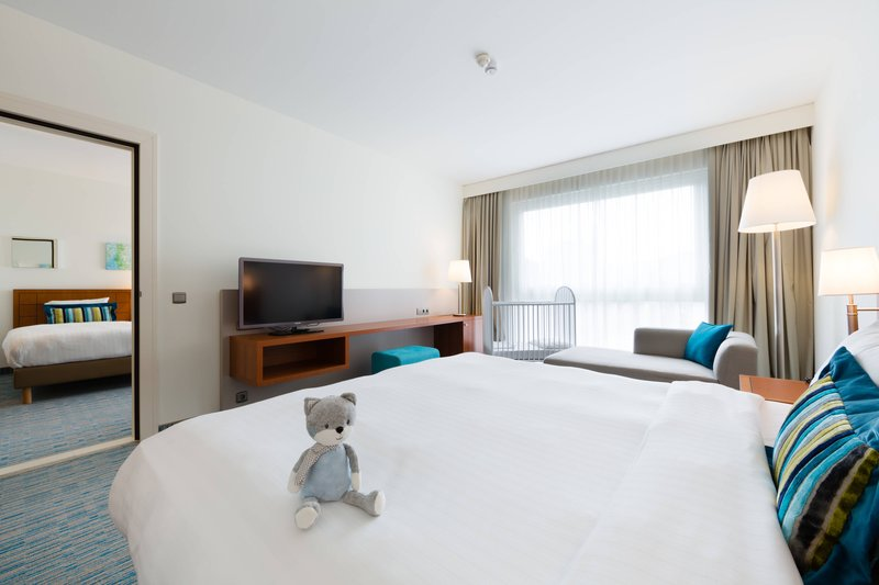 Courtyard Brussels-Family Guest Room<br/>Image from Leonardo