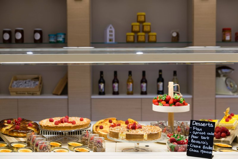 Courtyard Brussels-Courtyard Lounge & Dining - The Sweets Station<br/>Image from Leonardo