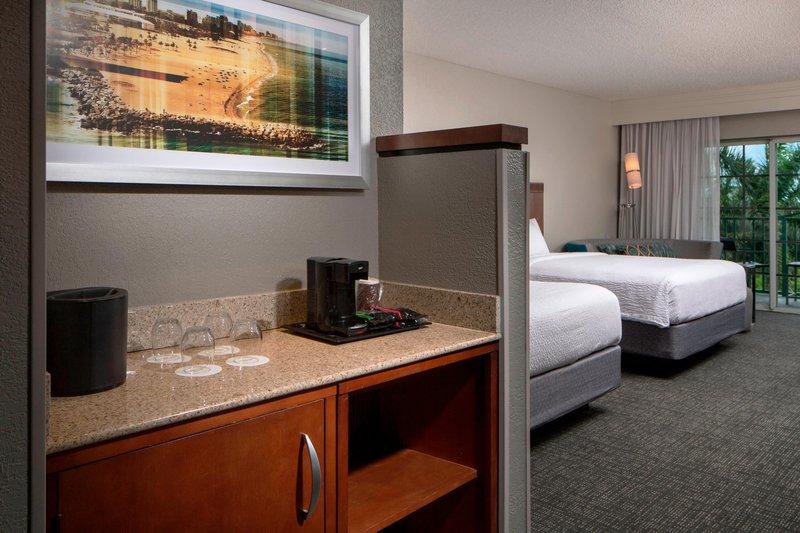 Courtyard Marriott Fort Lauderdale Airport & Cruise Port-Queen/Queen Larger Guest Room<br/>Image from Leonardo