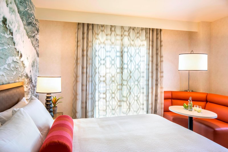 Courtyard Anaheim Theme Park Entrance-King Guest Room - Dining Area<br/>Image from Leonardo