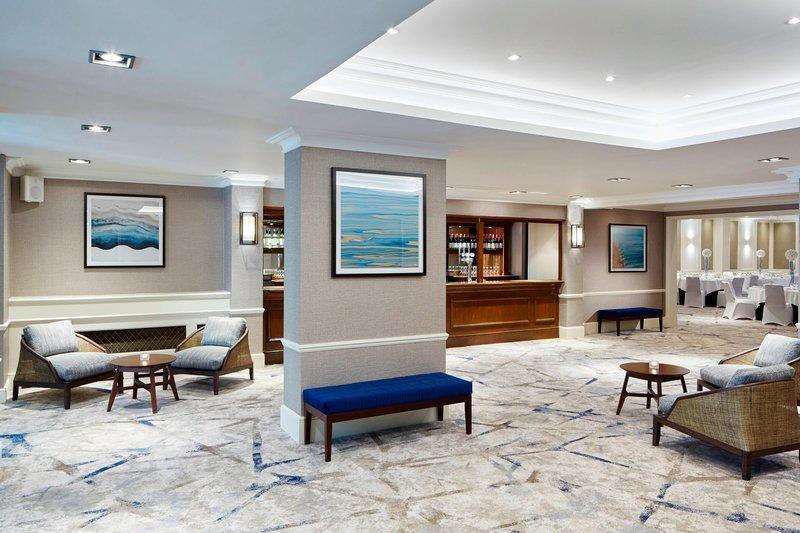 Bournemouth Highcliff Marriott Hotel-Dorchester Bar<br/>Image from Leonardo
