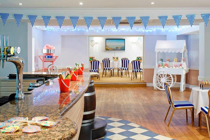Bournemouth Highcliff Marriott Hotel-Harry's Bar<br/>Image from Leonardo