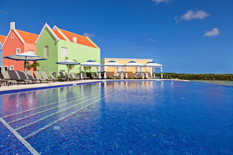 Courtyard Bonaire Dive Resort-Infinity Pool<br/>Image from Leonardo