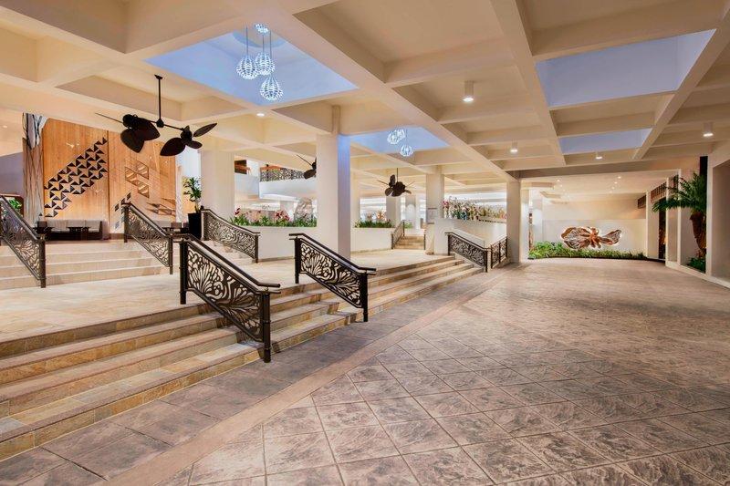 Waikiki Beach Marriott Resort  - Porte Cochere <br/>Image from Leonardo