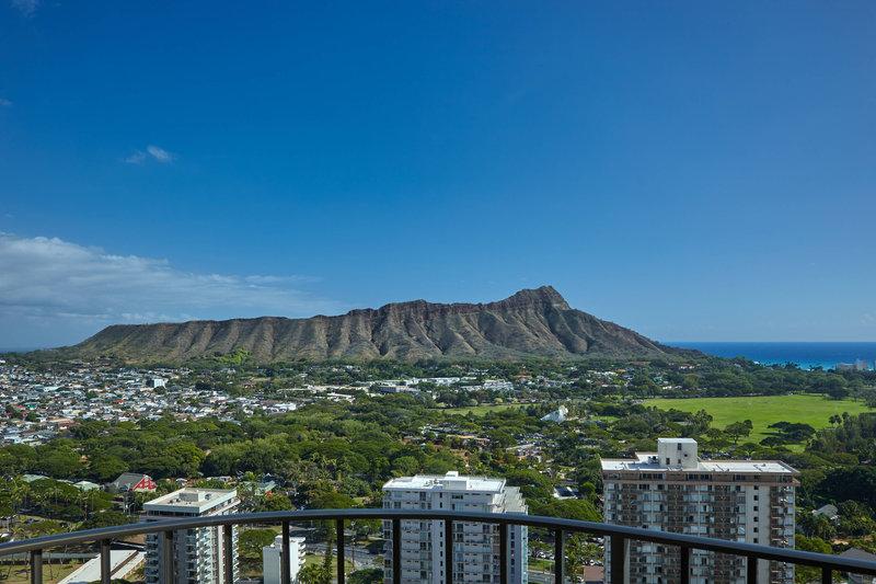 Waikiki Beach Marriott Resort  - Paoakalani Tower Diamond Head & Ocean View <br/>Image from Leonardo