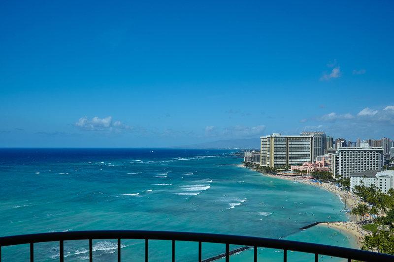 Waikiki Beach Marriott Resort  - Oceanfront Junior Suite - View <br/>Image from Leonardo