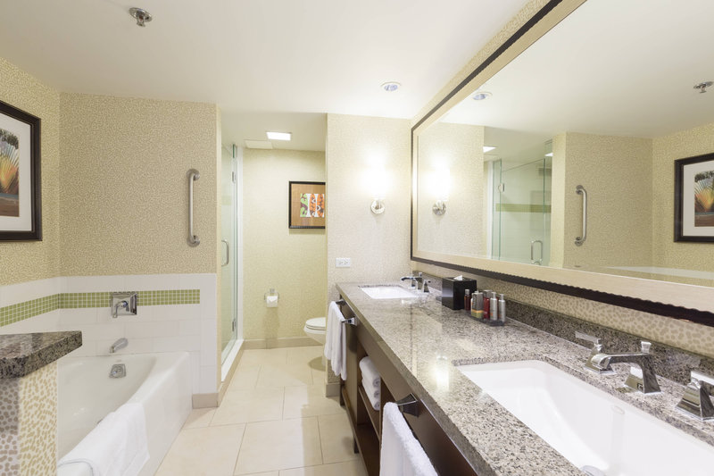 Waikiki Beach Marriott Resort  - Ocean Front Junior Suite Bathroom <br/>Image from Leonardo