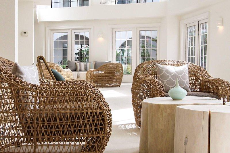 Marriott Grand Cayman-Atrium – Seating Area<br/>Image from Leonardo