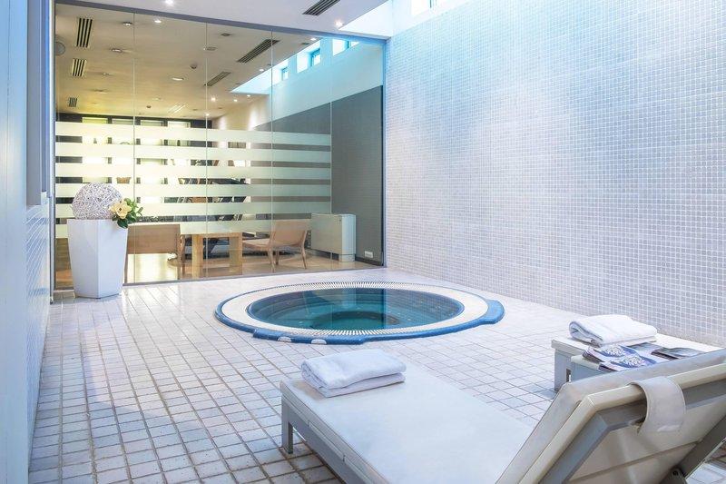 AC Hotel Torino-Jetted Tub & Turkish Bath Area<br/>Image from Leonardo