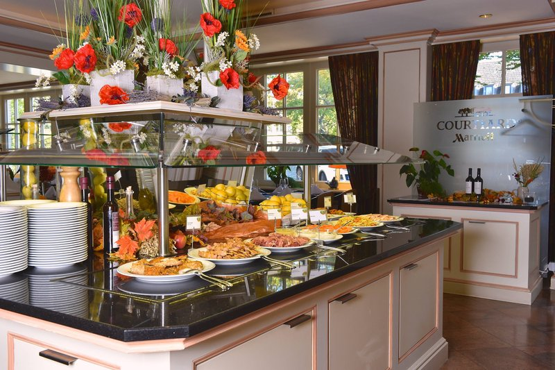 Courtyard Hamburg Airport-Restaurant Concorde - Lunch Buffet<br/>Image from Leonardo
