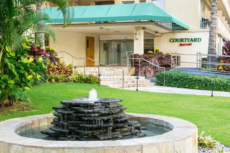 Courtyard by Marriott Waikiki-Entrance<br/>Image from Leonardo